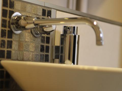 salle-de-bain-cholet-robinet